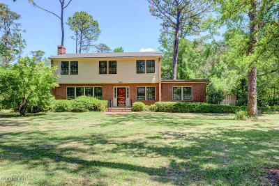 New Hanover County Single Family Home For Sale: 631 Colonial Drive
