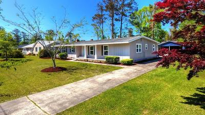 Morehead City Single Family Home For Sale: 214 Rochelle Drive