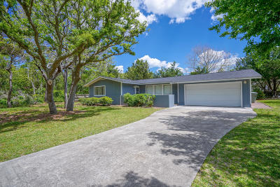 Pine Knoll Shores Single Family Home For Sale: 110 Cedar Road