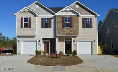 Onslow County Condo/Townhouse For Sale: 392 Frisco Way