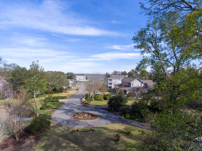 Wilmington Single Family Home For Sale: 102 Martingale Lane