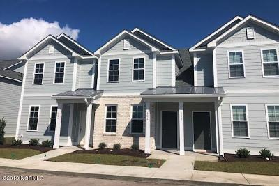Morehead City Condo/Townhouse For Sale: 175 Old Murdoch Road #302