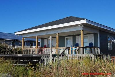 Topsail Beach Single Family Home For Sale: 613 N Anderson Boulevard