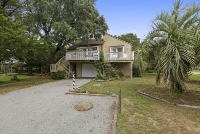 Oak Island Single Family Home For Sale: 301 22nd Place E
