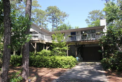 Pine Knoll Shores Single Family Home For Sale: 101 Walnut Circle