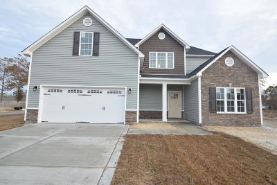 New Bern Single Family Home For Sale: 104 Sparrow Drive