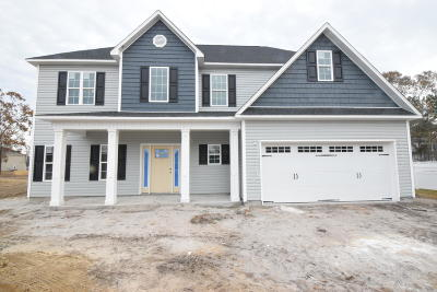 New Bern Single Family Home For Sale: 100 Sparrow Drive