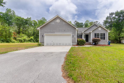 Jacksonville Single Family Home For Sale: 128 Briar Hollow Drive