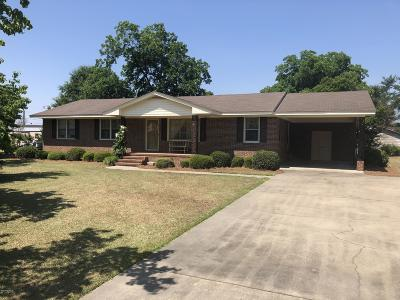 Kinston Single Family Home For Sale: 910 Massey Drive