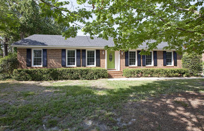 Wilmington Single Family Home For Sale: 328 Henry H Watters Drive