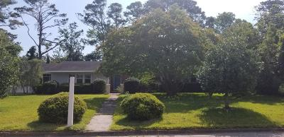 Morehead City Single Family Home For Sale: 217 Rochelle Drive