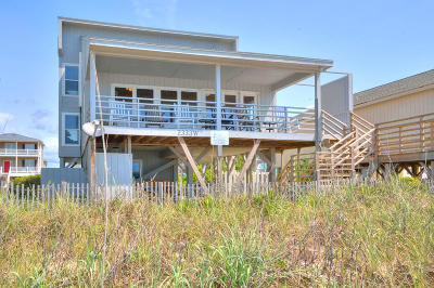 Oak Island Single Family Home For Sale: 2333 W Beach Drive