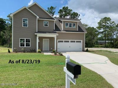Sneads Ferry Single Family Home For Sale: 514 Everett Glades