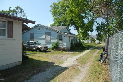 Morehead City Single Family Home For Sale: 13101/2 Bridges Street