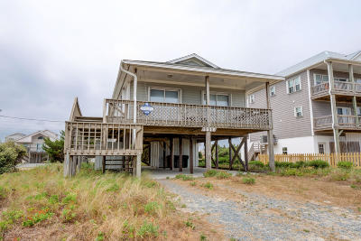 Topsail Beach Single Family Home For Sale: 1516 Ocean Boulevard