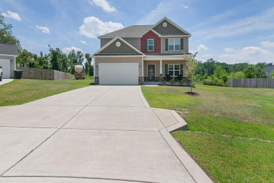 Richlands Single Family Home For Sale: 612 Denim Drive