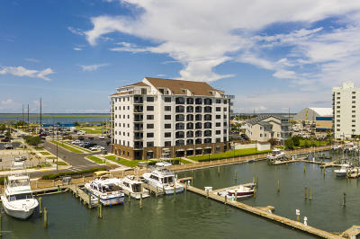 Morehead City Condo/Townhouse For Sale: 311 Arendell Street #403