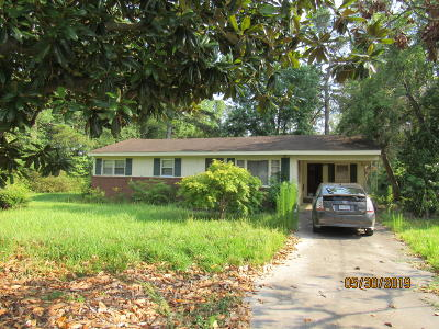 Whiteville NC Single Family Home Active Contingent: $17,000