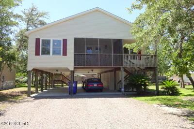 Oak Island Single Family Home For Sale: 139 NE 5th Street