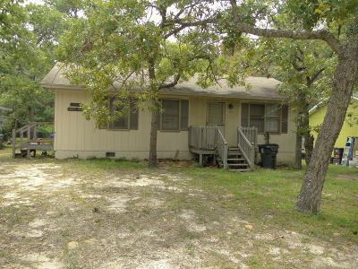 Oak Island Single Family Home For Sale: 115 NW 14th Street