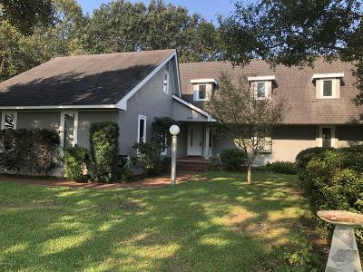 Morehead City Single Family Home For Sale: 208 Harbor Drive