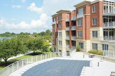 New Bern Condo/Townhouse For Sale: 205 Sky Sail Boulevard