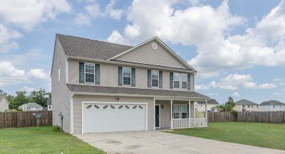 Richlands Single Family Home For Sale: 112 Amberwine Circle