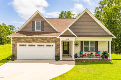 Swansboro Single Family Home For Sale: 605 Teal Court