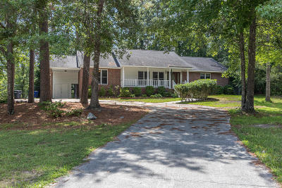 Onslow County Single Family Home For Sale: 806 Pine Valley Court