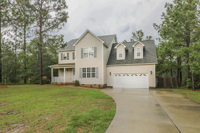Single Family Home For Sale: 506 Oak Pond Point
