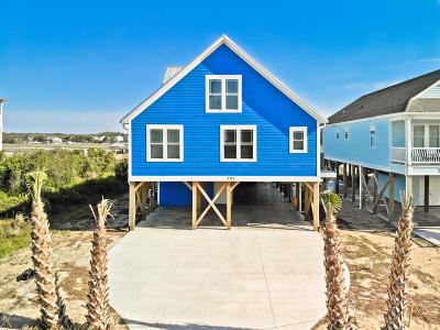 Oak Island Beach Single Family Home For Sale: 2718 W Pelican Drive