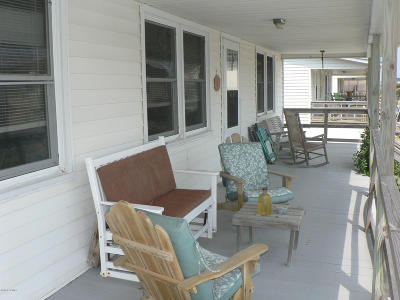 Atlantic Beach Single Family Home For Sale: 105 Dobbs Street
