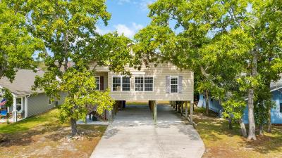Oak Island Mainland Single Family Home For Sale: 121 NE 4th Street