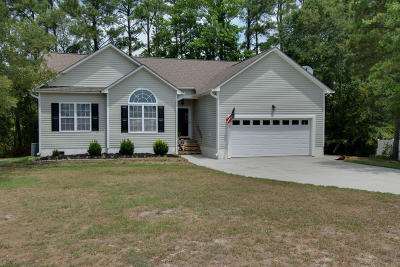 Swansboro Single Family Home For Sale: 316 Coldwater Drive