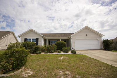 Holly Ridge Single Family Home For Sale: 230 Red Carnation Drive
