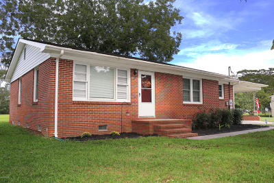 Richlands Single Family Home For Sale: 2250 Catherine Lake Road