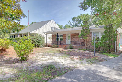 Southport Single Family Home For Sale: 218 Willis Drive