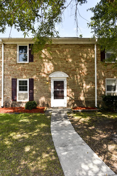 Jacksonville Condo/Townhouse For Sale: 105 King George Court