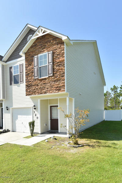 Onslow County Single Family Home For Sale: 320 Cedar Island Trail