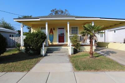 Carolina Beach Single Family Home For Sale: 208 Hamlet Avenue