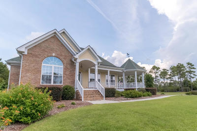Southport Single Family Home For Sale: 3681 Wingfoot Drive