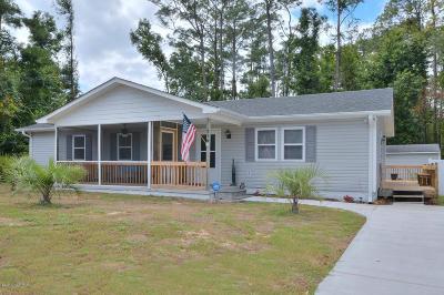Oak Island Single Family Home For Sale: 319 NE 56th Street