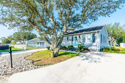 Kure Beach Single Family Home For Sale: 118 S 6th Avenue