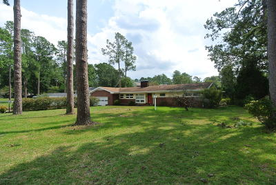 New Bern Single Family Home For Sale: 4605 Country Club Road