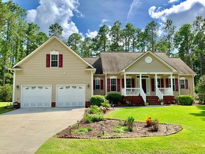 New Bern Single Family Home For Sale: 2137 Royal Pines Drive