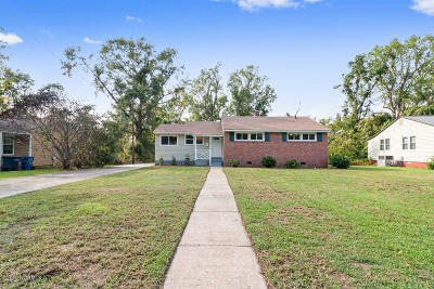 Jacksonville Single Family Home For Sale: 417 Nelson Drive