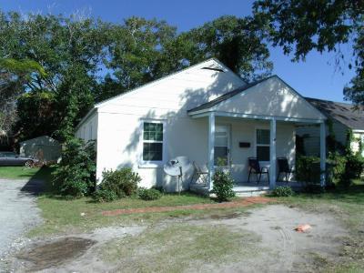 Morehead City Single Family Home For Sale: 2206 Bridges Street