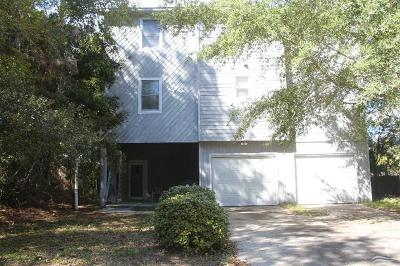 Oak Island Single Family Home For Sale: 2910 W Yacht Drive