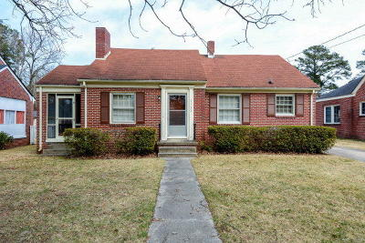 Single Family Home Closed: 1122 Sycamore Street