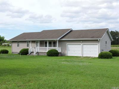 Currituck County Single Family Home For Sale: 4049 Caratoke Highway